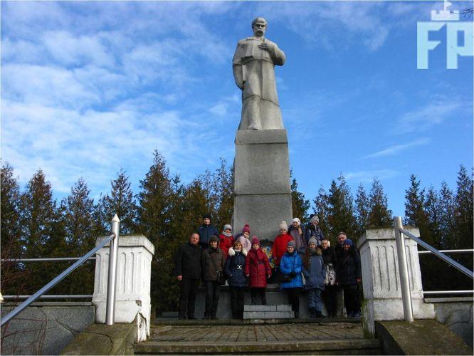 Запорожские дети вернулись с Ивано-Франковской области с рождественских праздников