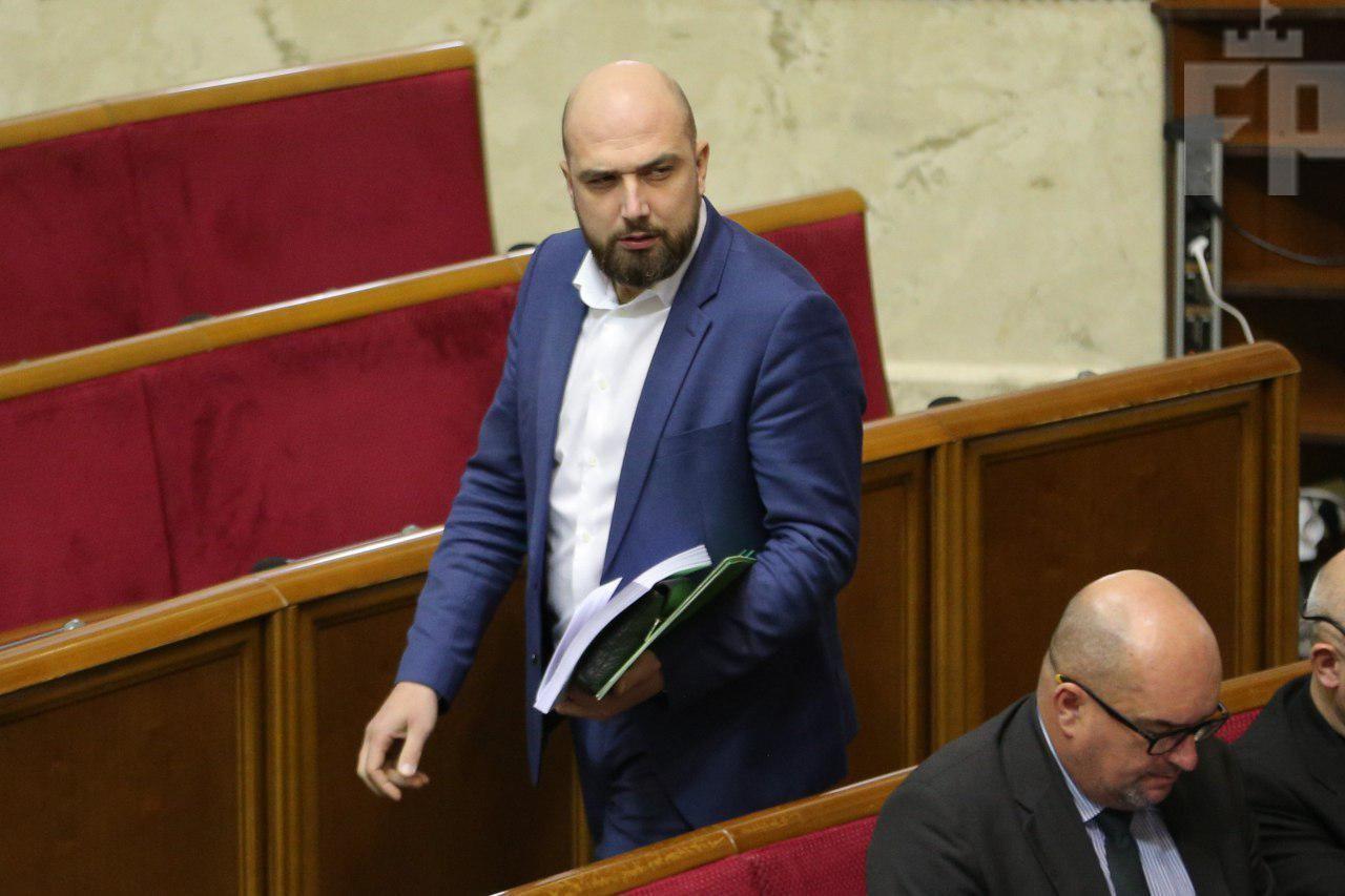 <strong>Запорожский нардеп предлагает обложить налогом артистов-«предателей»</strong>