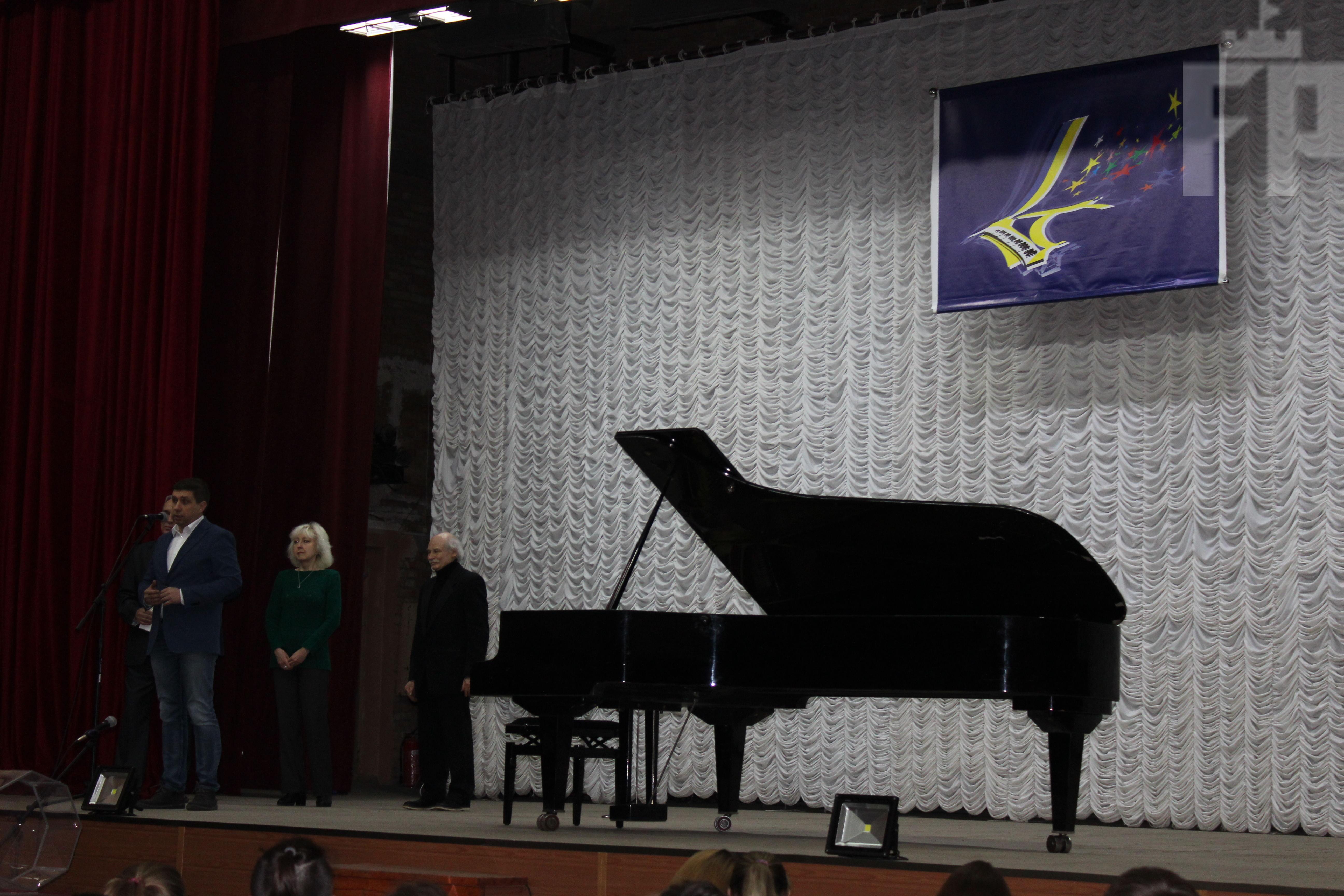 В Запорожье юные музыканты демонстрируют свои таланты