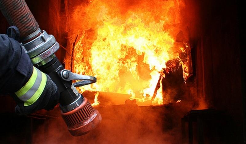 Сусіди врятували чоловіка з вогню (фото)